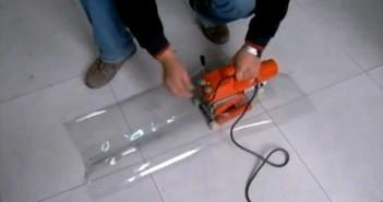 На фото представлен аппарат для склеивания пленки